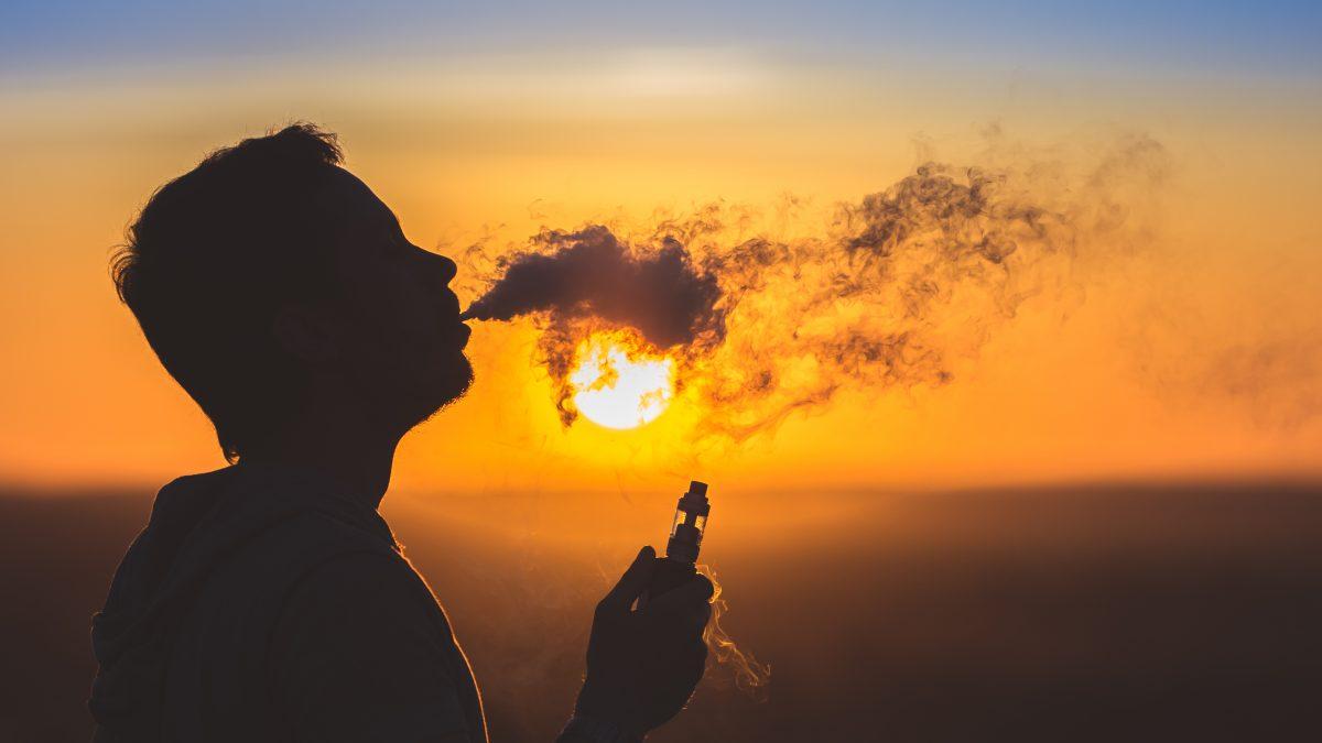 E-cigarette, été, soleil, et plage nos conseils.